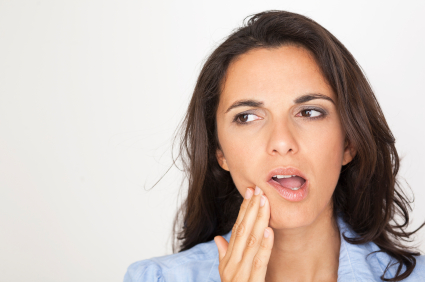 What to Do to Keep Your Mouth Clean and Healthy Following a Tooth Extraction